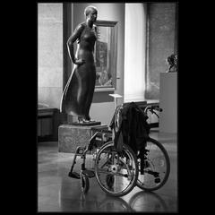 Случай в музее или Кресло подано:))