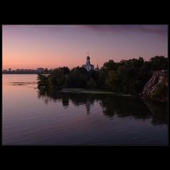Монастырский остров, Днепр