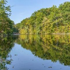 Осіннє озеро...