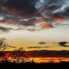 Яскраві фарби заходу сонця...