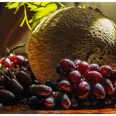 Дыня и виноград