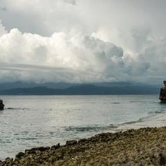 Дождь на о. Бали (вид с острова Лембонган)