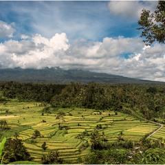 Вулкан Агунг. О. Бали. Ныне извергающийся...
