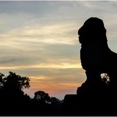 Закат над древностью... Храм Баконг. Камбоджа.