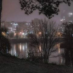 У реки вечером.