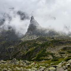 Під горою Mnich (Мніх)