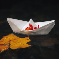 Кораблик в Осінь