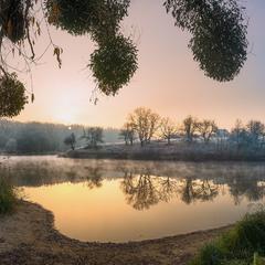 Рассвет у озера...