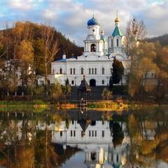 Покровский храм Святогорской Лавры