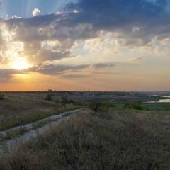 Дорога з Кир'яківки у Кам'яну Балку, вечір.