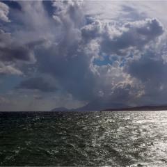 Потемнело синее море...