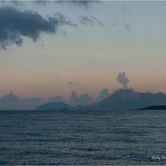 Почти извержение или горы на рассвете
