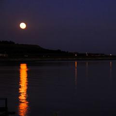 ніч яка місячна....
