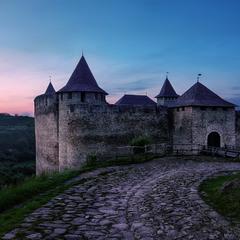 Старая крепость на закате