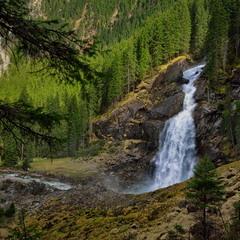 Один из каскадов Криммльского водопада