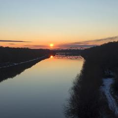 Морозний кінець дня над Десною