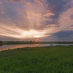 Ранкові барви на озері