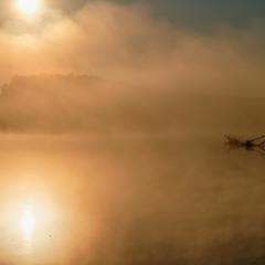 Підпалюючи річку