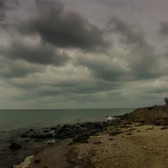 Почорніло синє море...