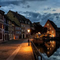 На закате в старом городе