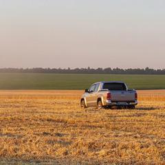 Пейзаж з авто.