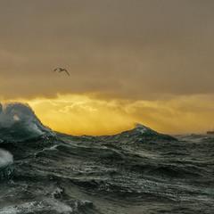 Море-штормовое-грозовое