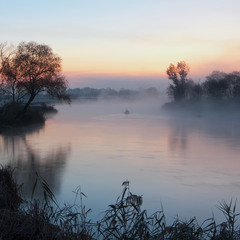 рибачок в тумані