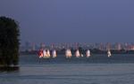 Вечір на Київському морі