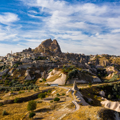 Учхісар - місто-скеля