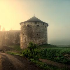 Світанковий сон старої фортеці
