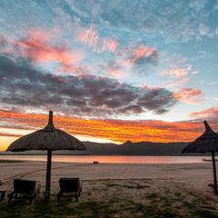 Схід сонця на далекому острові