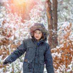 Когда зимой один в лесу