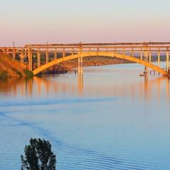 Хортицький міст на закаті