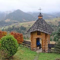 Монастырь в Дземброне