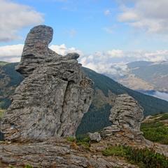 Стражи горы Ухатый Камень
