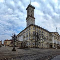 Площа Ринок без туристів