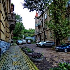 Львівський дворик