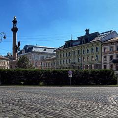 Площа Міцкевича у Львові