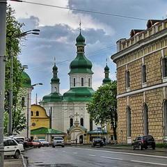 Свято-Феодосійський монастир у Києві