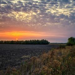 Тёплый рассвет сентября