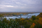 Пішохідний міст, Дніпро та Труханів острів