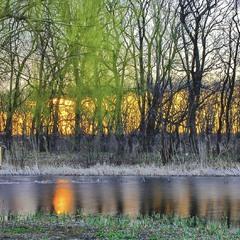 Свічка в річці