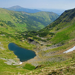 Бербенескул - самое высокогорное озеро в Украине. Карпаты. 1800 м. над у/м