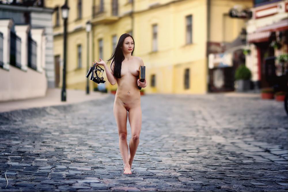 эротика на улице города фото все удовлетворенные