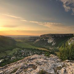 Вид на Бельбекскую долину с Куле Буруна.