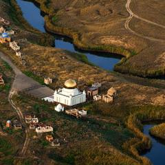 # Мечеть у реки #