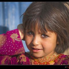 # Портрет афганской девочки #