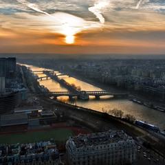 Светящаяся Сена