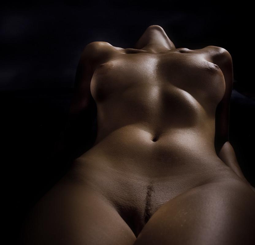 Фото эротика красивые женщины на животе — 11