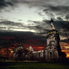 Пятницкая церковь в цвете
